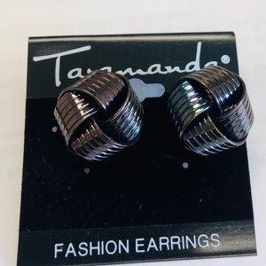 NWT Knot Earrings.
